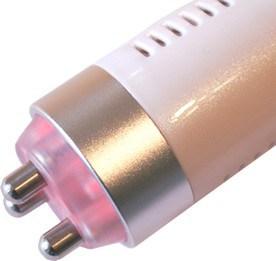 Il trattamento con il manipolo tripolare della radiofrequenza Mesis RF Beauty consente di ottenere un effetto lifting